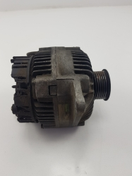 Laguna 1 Şarz dinamosu 98 altı Renault Motor