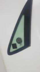 Laguna 1 sağ arka kelebek camı 1993-2000 arası