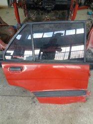 Subaru justy sağ arka kapı hasarlı