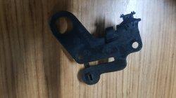 308398A 085 Megane2 1.6 16 Valf Motor bağlantı braketi